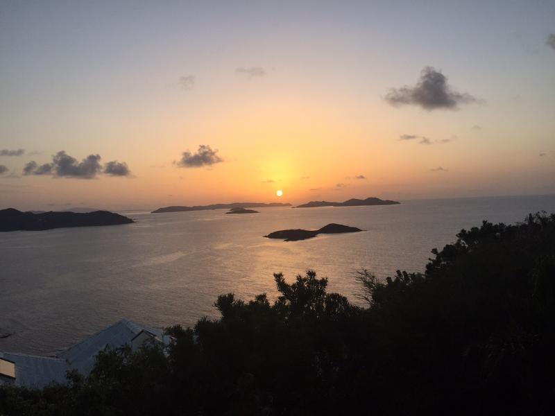 Amaneceres espectaculares sobre las Islas Vírgenes Británicas