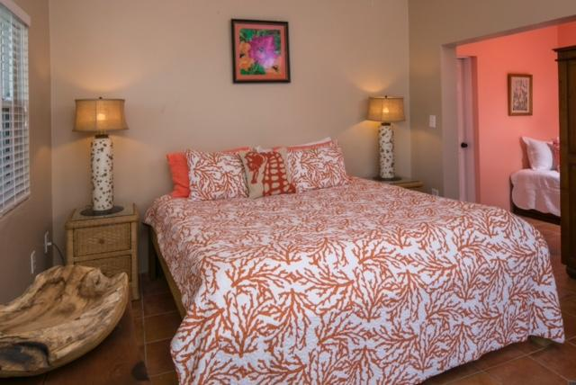 King suite with twin bed too