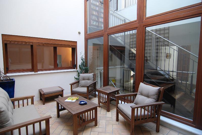 In Jerez, a Rooftop Garden at Casa las Viñas, holiday rental in Torre Melgarejo