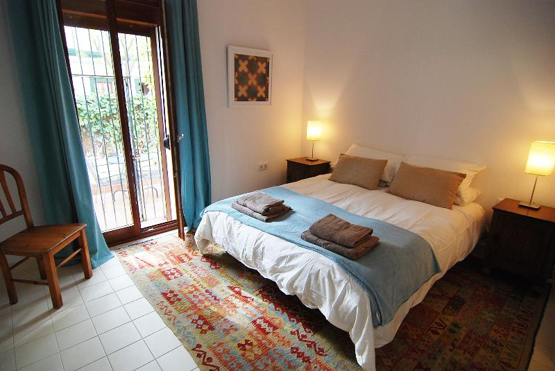 Jerez Townhouse - Light and airy Master Bedroom. King size bed and en-suite