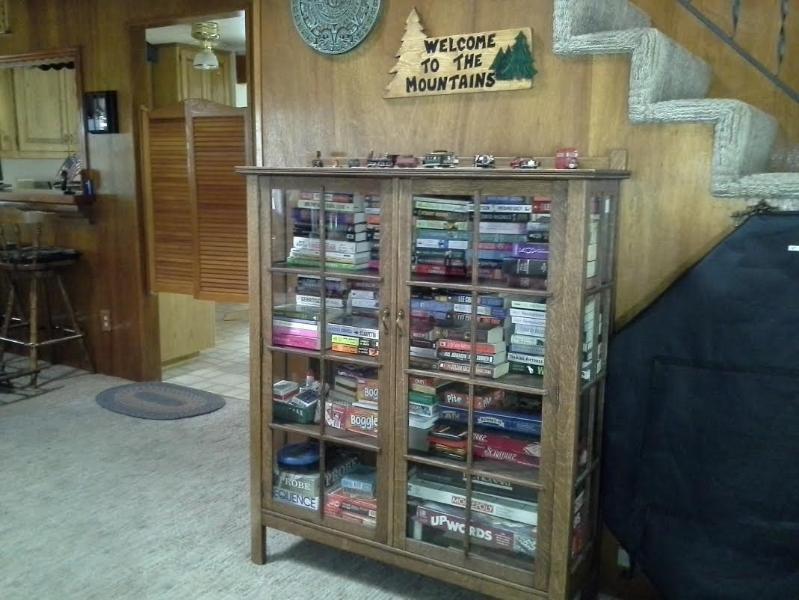 Un montón de libros y juegos