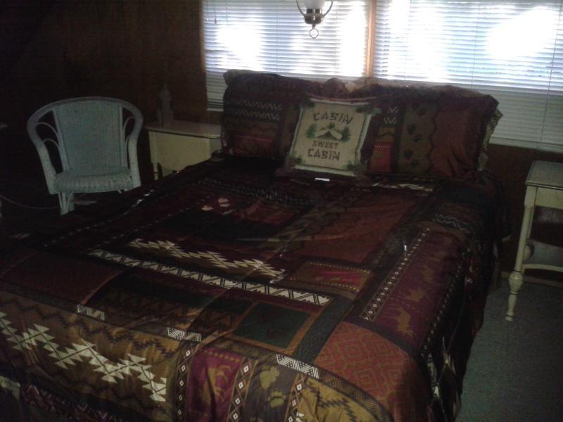 Izquierda loft con cama matrimonial