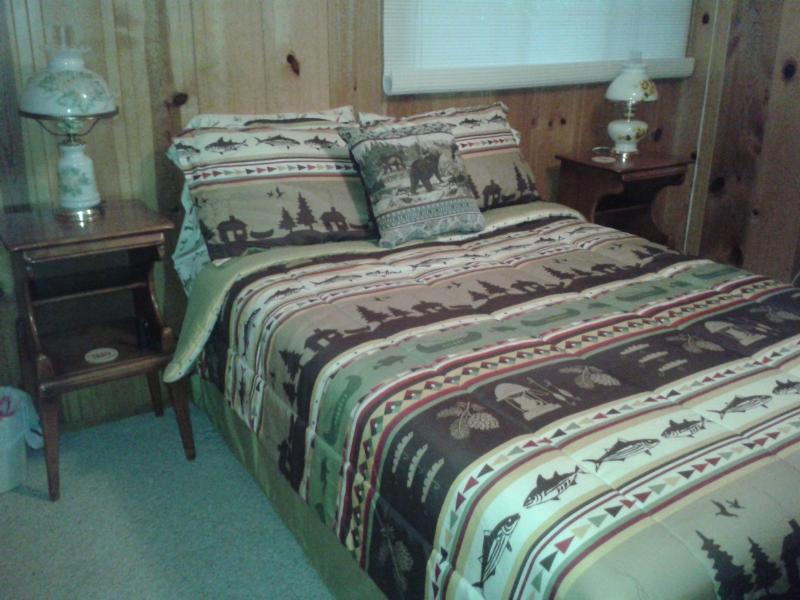 Planta baja dormitorio con cama de matrimonio