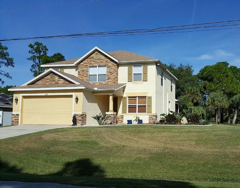 Near Gulf Beaches Family and Pet Friendly, vacation rental in North Port