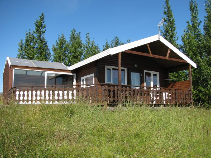 One bedroom cottage with hot tub, holiday rental in Reykholt