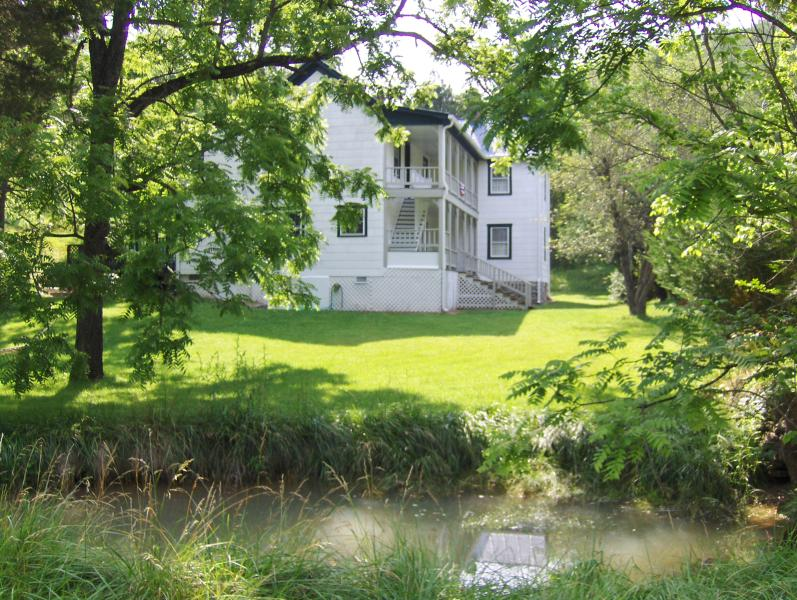 The Cottage at Springwood, location de vacances à Bedford
