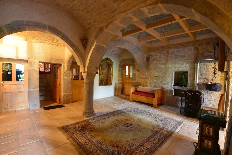 Salle à pilier de 1710 à l'entrée du gîte