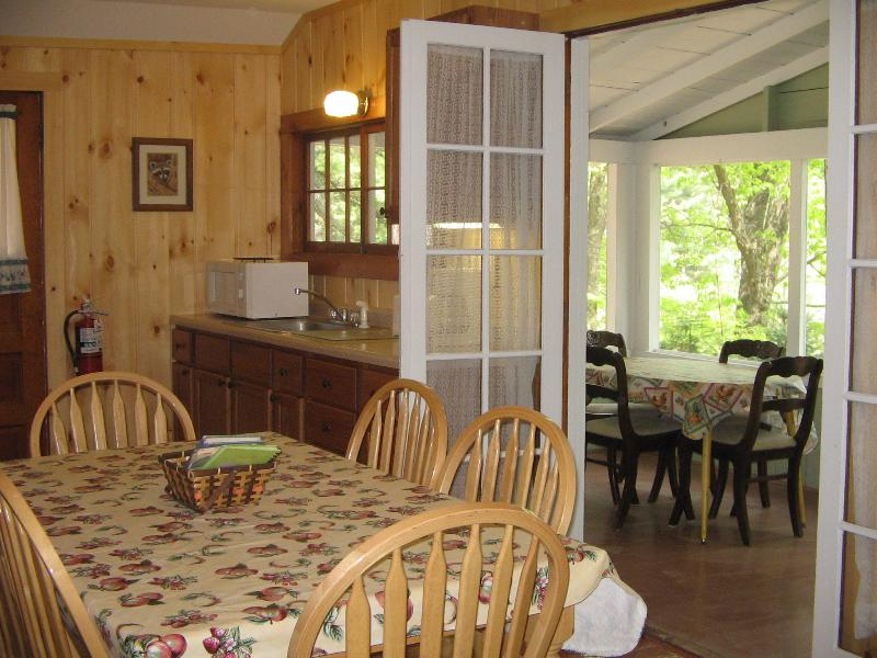 Minocqua Lakeside Cottage, holiday rental in Harshaw