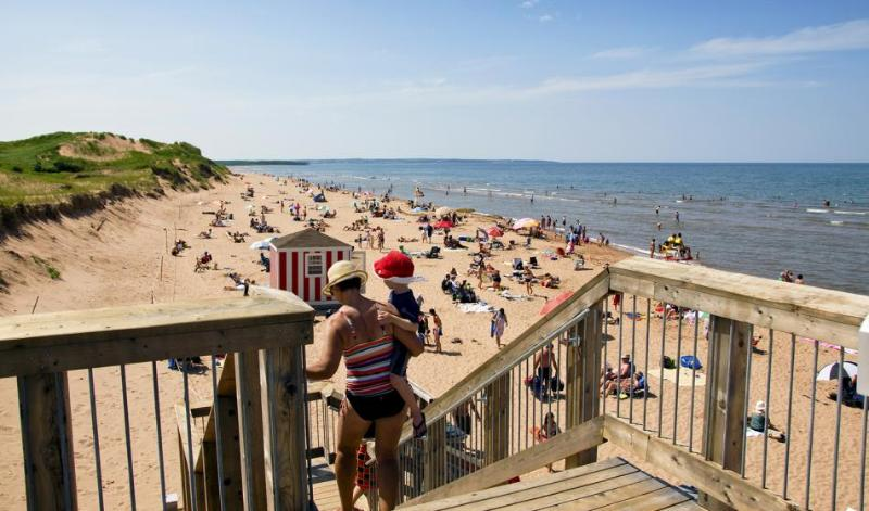 Popular Brackley Beach - 7 min drive