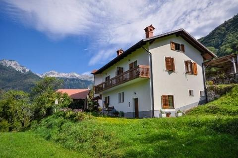 Apartment house in Triglav national park, TolminSI, holiday rental in Kras