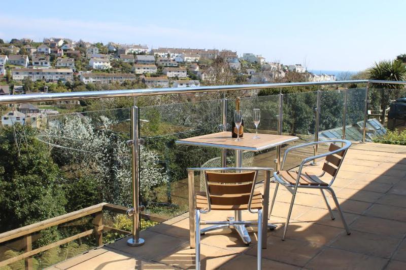 Balcón para cenar al aire libre