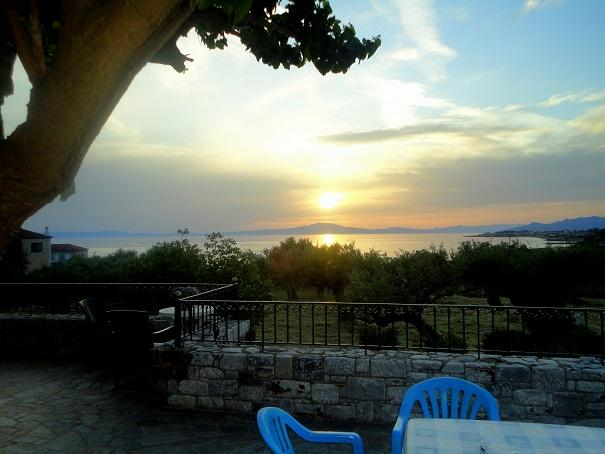 Villa Pefnos 1 - a tranquil paradise, location de vacances à Thalames