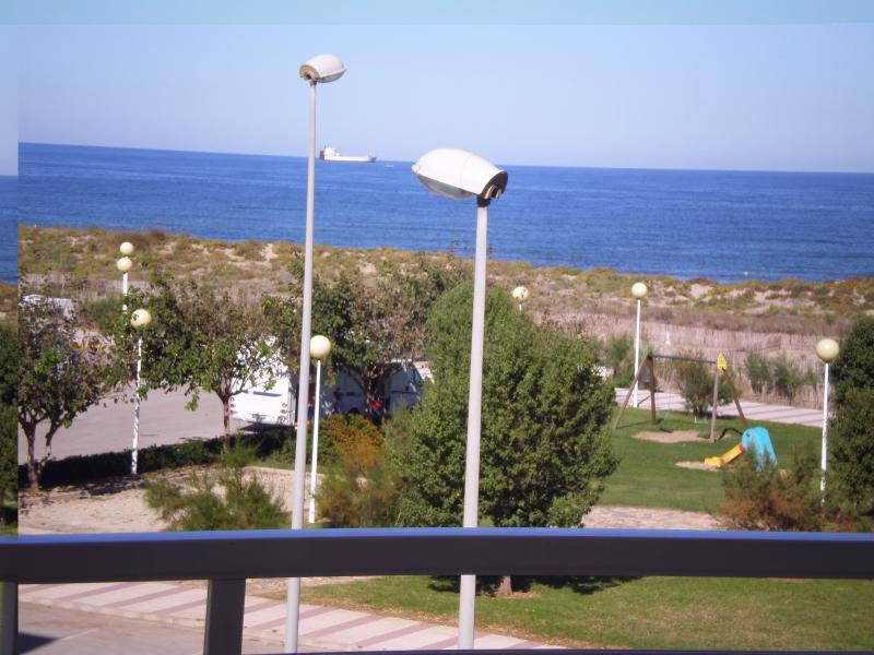 Apartment on the seafront of Daimus, vakantiewoning in Miramar