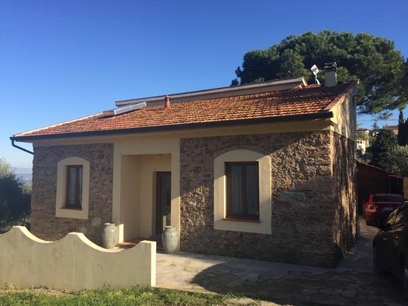 Entire property is yours - in the Pisan hills, vacation rental in Capannoli