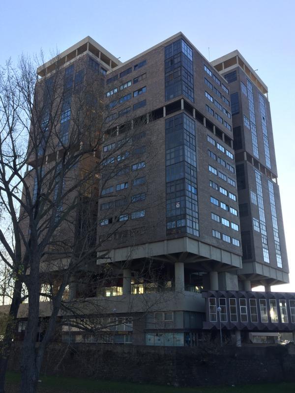 Apartamento singular deluxe pamplona espa a - Edificio singular pamplona ...