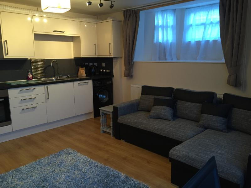 Calico Apartment, Whitby with parking, holiday rental in Whitby