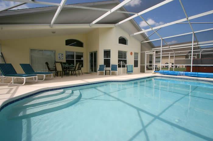 Fabuleuse piscine et véranda