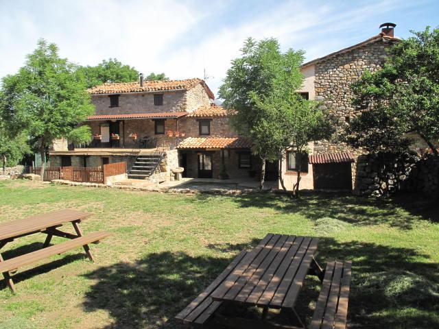 Cal Caló - Colònies Cadí (Fins 60 pax), holiday rental in Alas