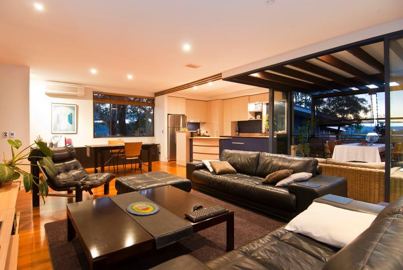 lounge, kitchen, deck