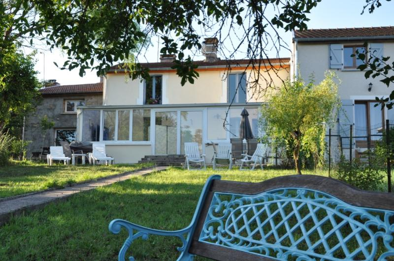 La Maison d'angle - ORMOY - Riverside Gite - (Sleeps up to 6), holiday rental in Melincourt