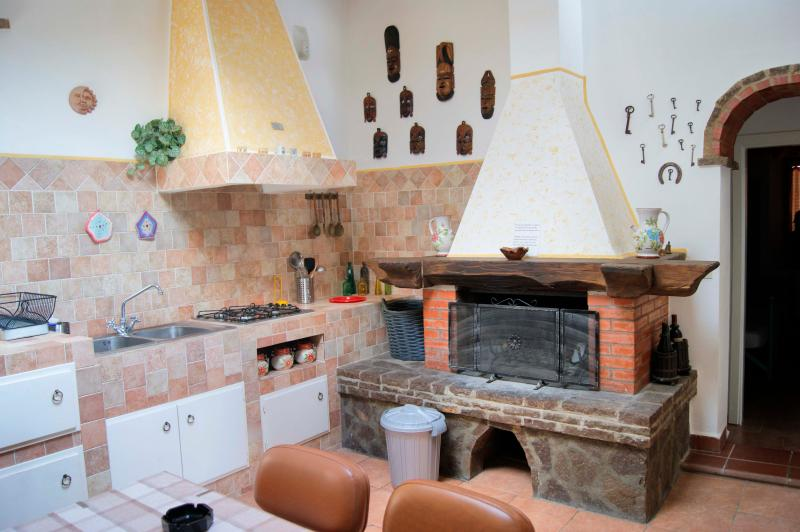 Holiday apartment for 4 pax, alquiler vacacional en Chianni