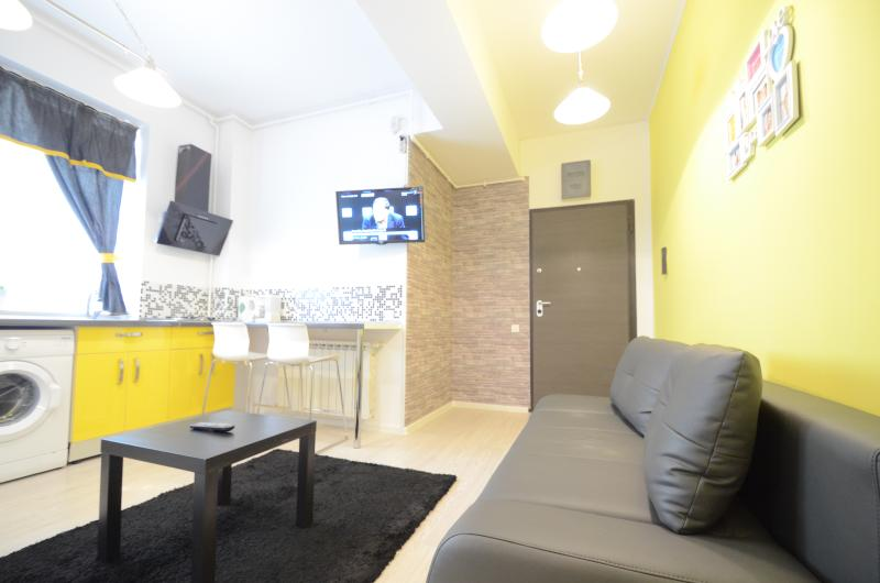 Uptown 6 Apartment, holiday rental in Pantelimon
