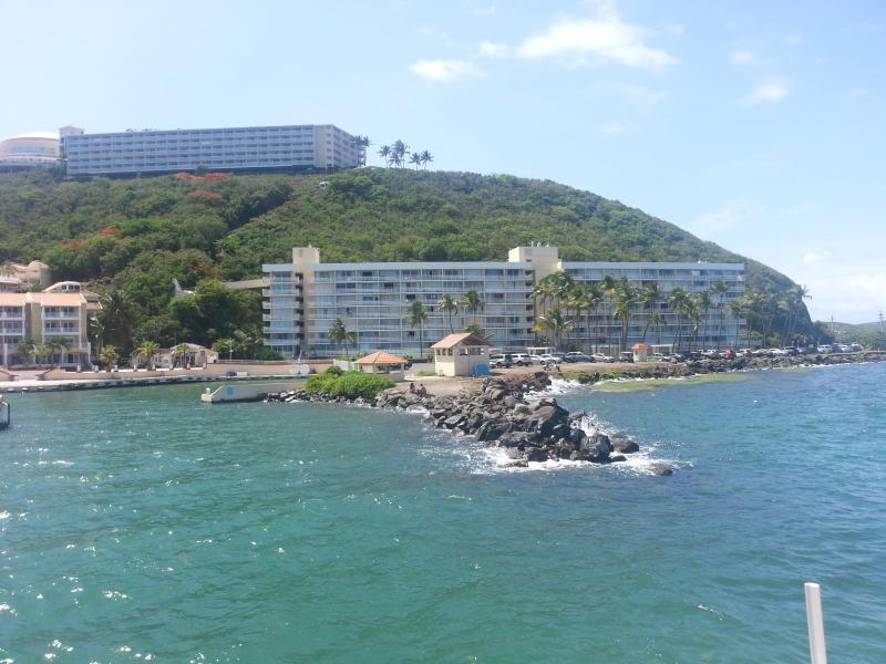 Vue sur Marina Lanais Condominium de Ferry Boat