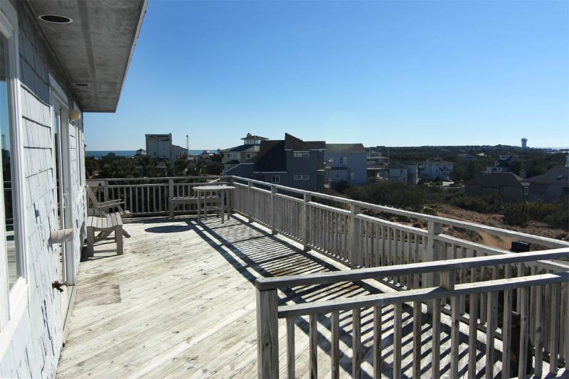 Beautiful panoramic views of Duck from every deck