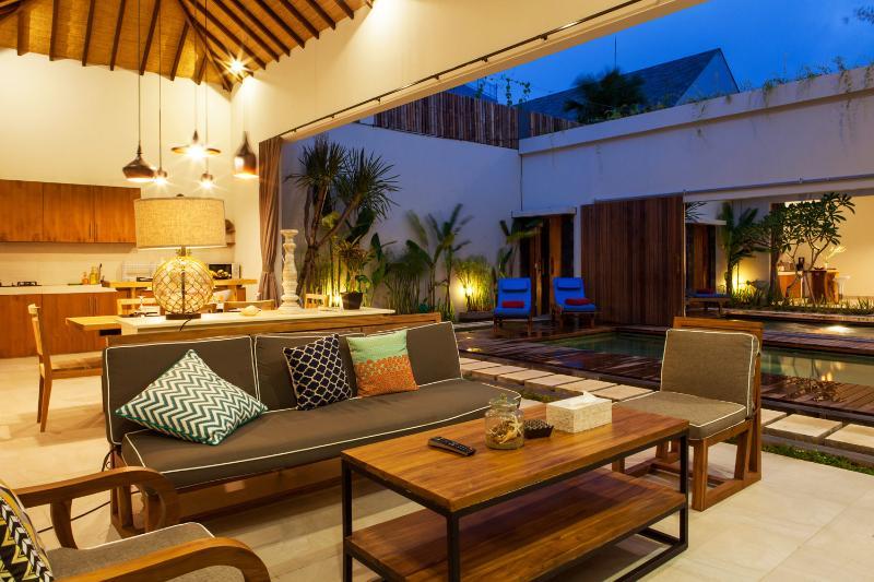 rental modern 2 bedroom private pool villa bali seminyak