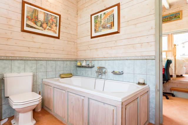 En-Suite Bathroom with Bathtub and Walk-In Shower