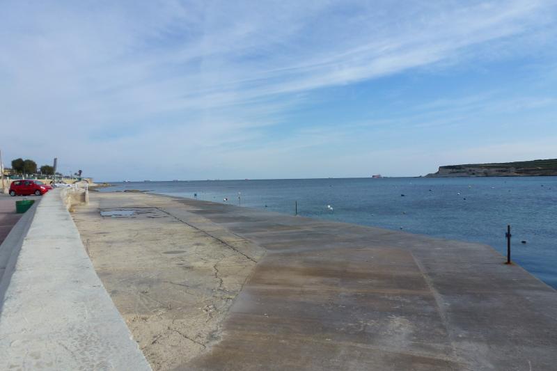 St Thomas Bay, Marsascala. A circa 10 minuti a piedi dall'Apt.