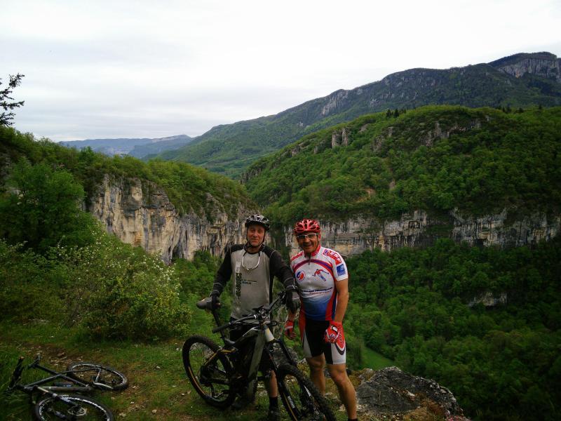 Salida ciclismo de montaña en las gargantas de la Chaillard