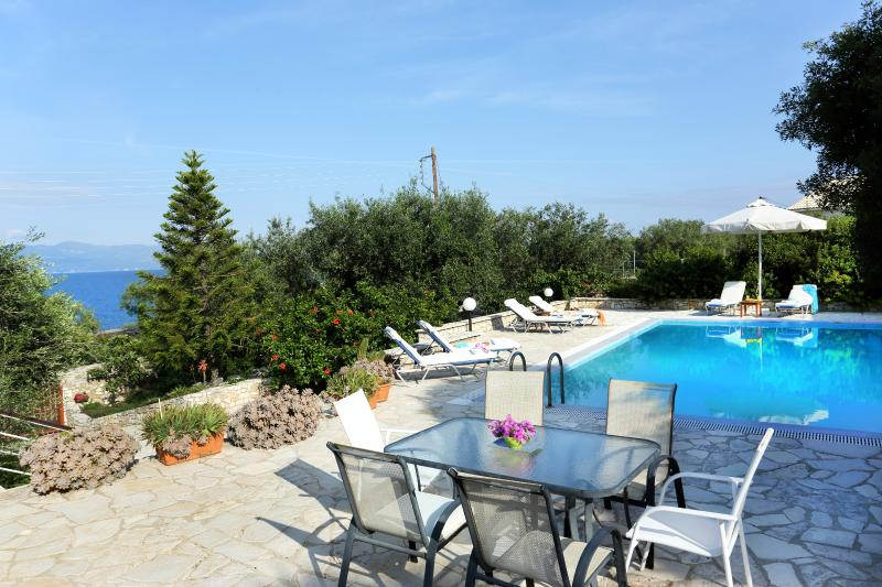 Villa Ilios, Paxos - 3 bedrooms with private pool & Wi-Fi, holiday rental in Gaios
