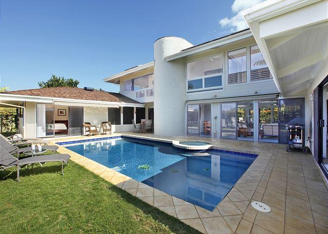 ***5 Bedroom House With Private Pool***, alquiler de vacaciones en Princeville