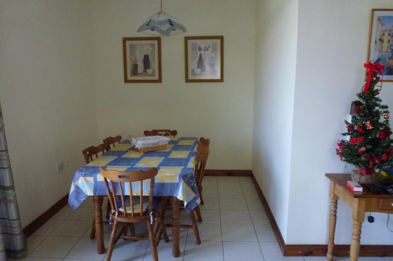 Sala da pranzo per 6 persone.