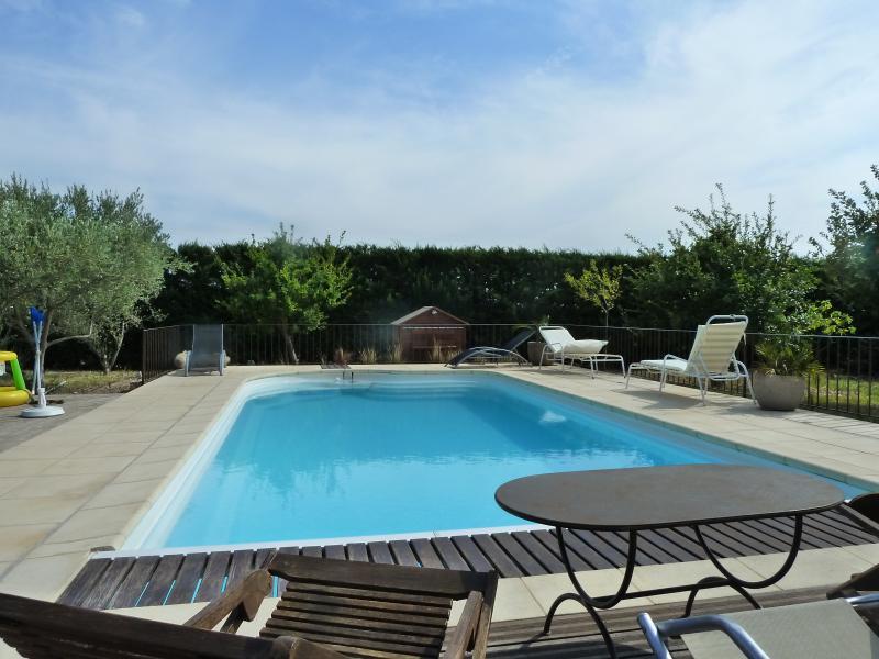 iris, vacation rental in Caromb