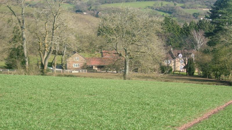 Vue d'Hopebrook ferme de la colline.