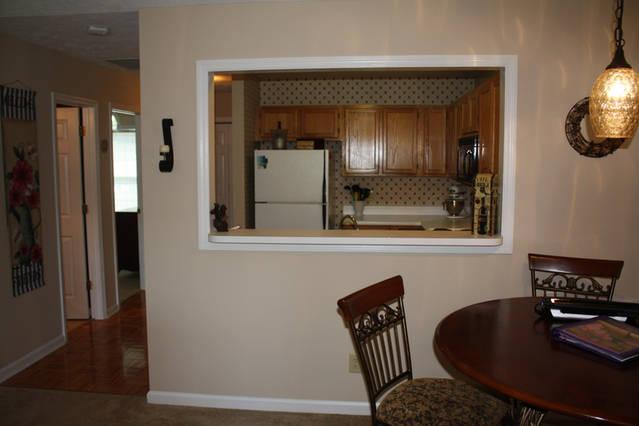 look through to kitchen from dinette area