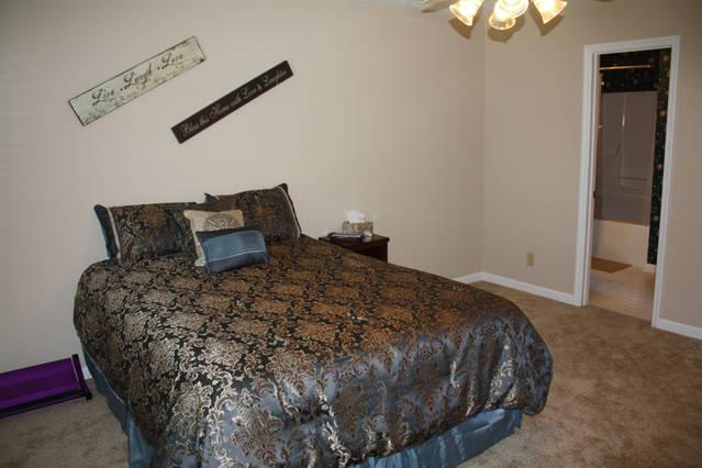 Master Bedroom with Queen, attached bathroom