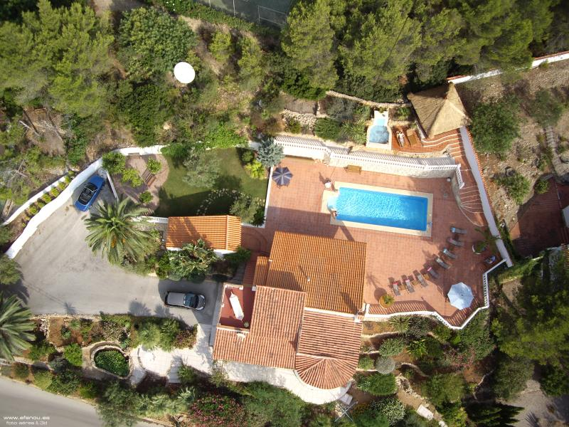 Aerial photo of the villa and plot