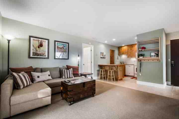 This spacious and centrally located Red Pine Condo is situated at Canyons at Park City and has 1 large bedroom and 1 full renovated bathroom.