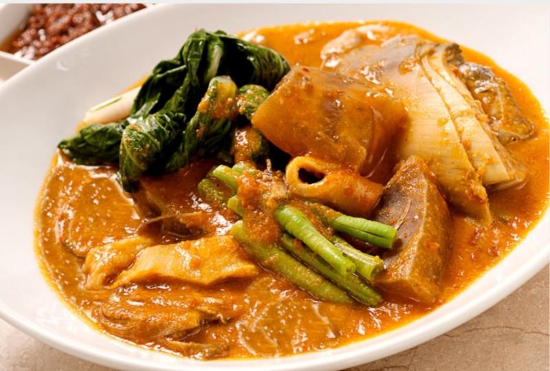 Local dish to try- Kare kare!