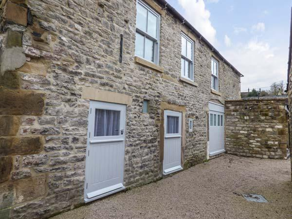BANK HOUSE MEWS, stunning property, en-suites, woodburner, balcony, in, holiday rental in Bakewell