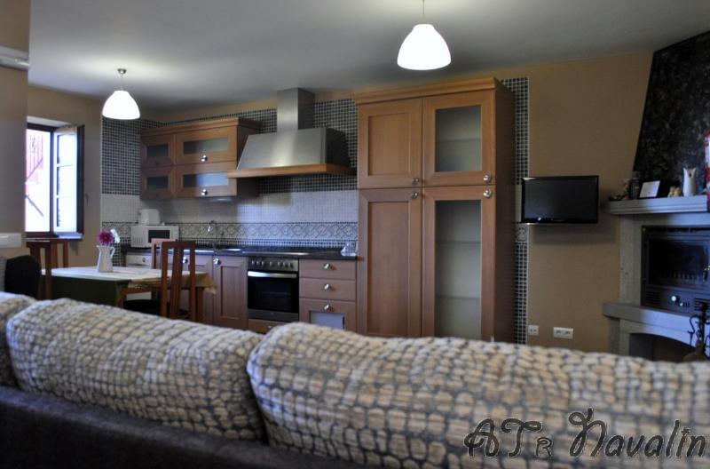 Apartamentos Navalin - Apartamento 2, holiday rental in El Franco Municipality