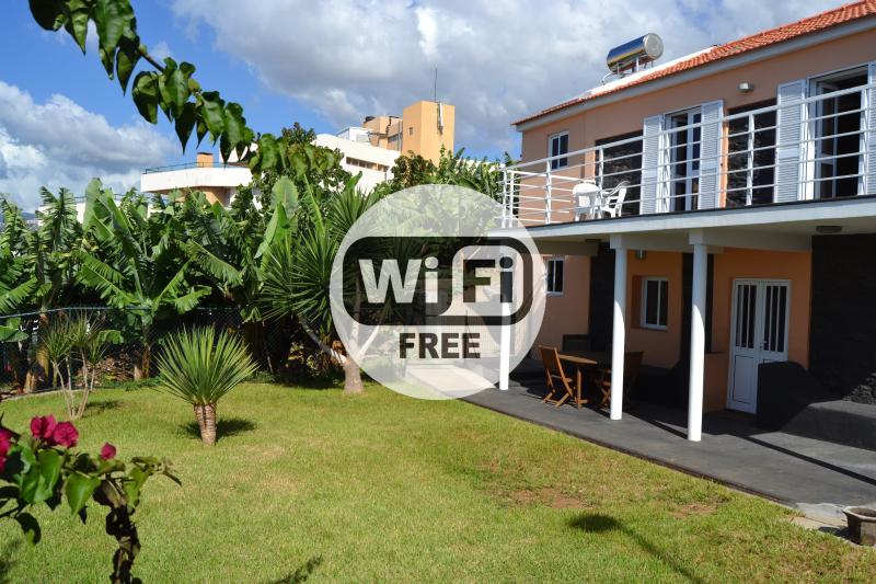 Funchal House T3 Old Town Sea View, alquiler de vacaciones en Sao Goncalo