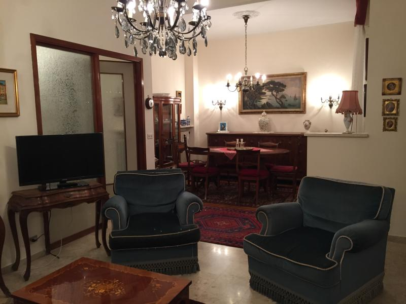 A Gem near park and beaches, holiday rental in Rapallo