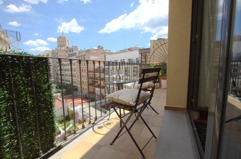 2 bedroom apartment Plaza Catalunya, vacation rental in Barcelona