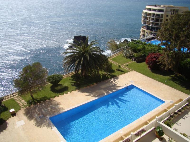 Baía Apartment - Wonderful Ocean Views, holiday rental in Funchal