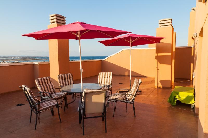 Ático con gran terraza . Veneziola, Ferienwohnung in San Javier