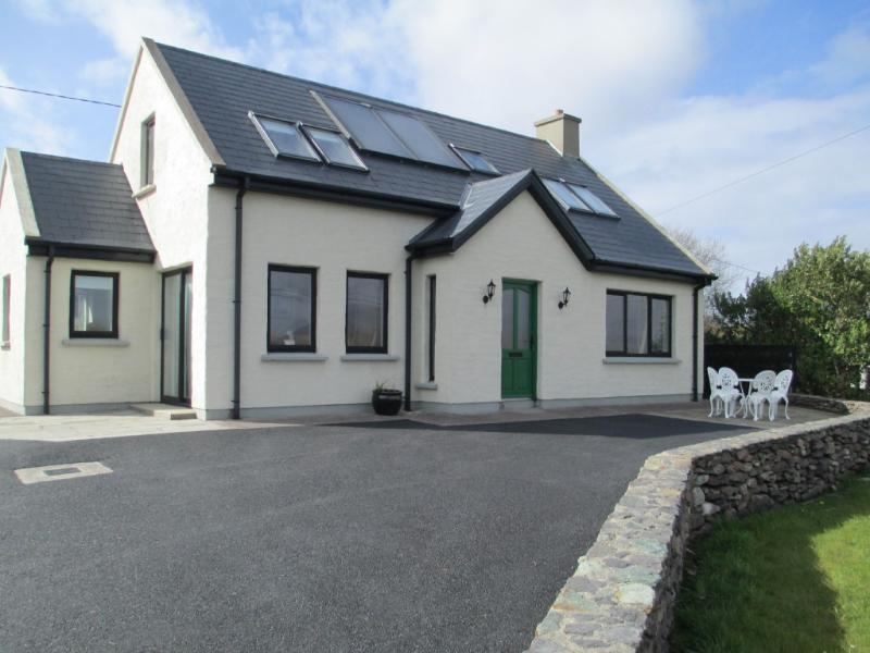 Waterville Gem, on Ring of Kerry/ Wild Atlantic Way., Ferienwohnung in Ballinskelligs